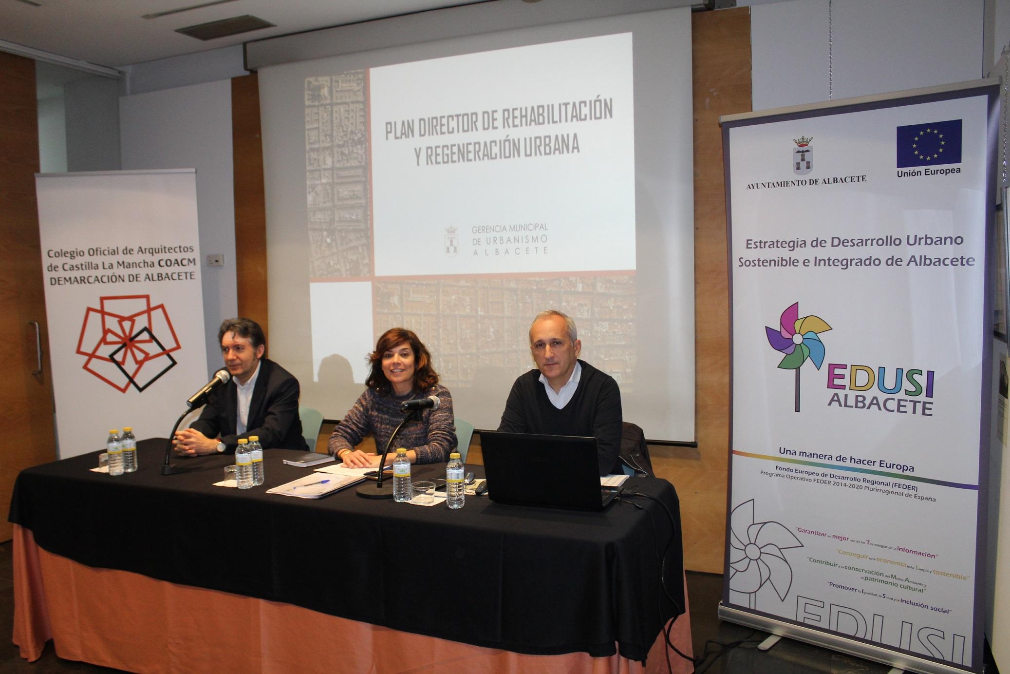 Celebrada una jornada sobre Regeneración con Juan Francisco Jerez, concejal de urbanismo.